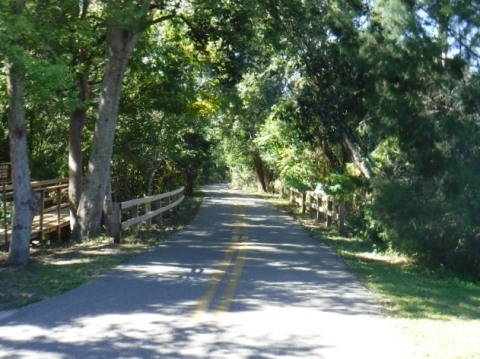 Kewannee Trail, an Orlando neighborhood bike trail